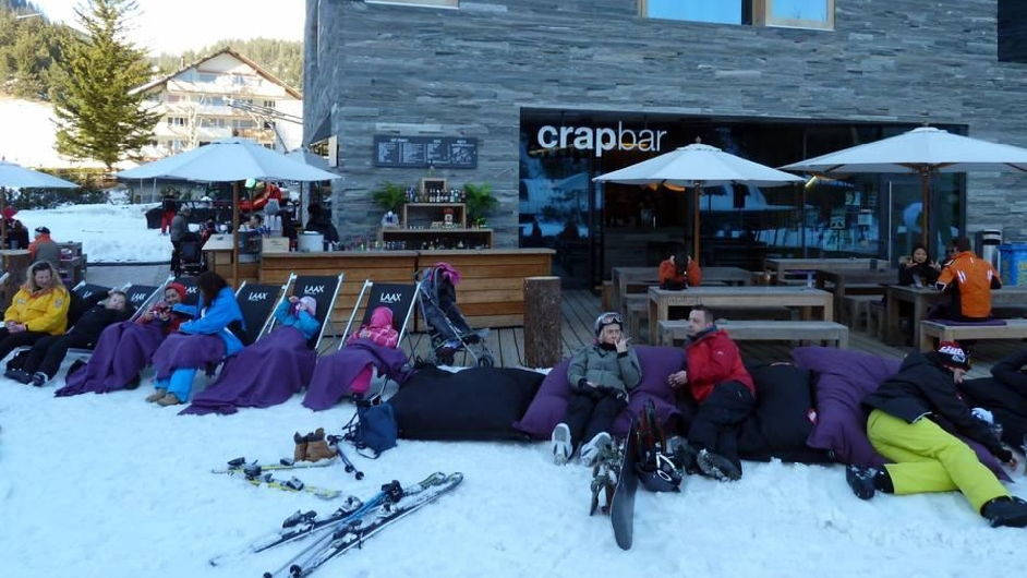 Après ski, celebrate and skiing in Laax – the top places!