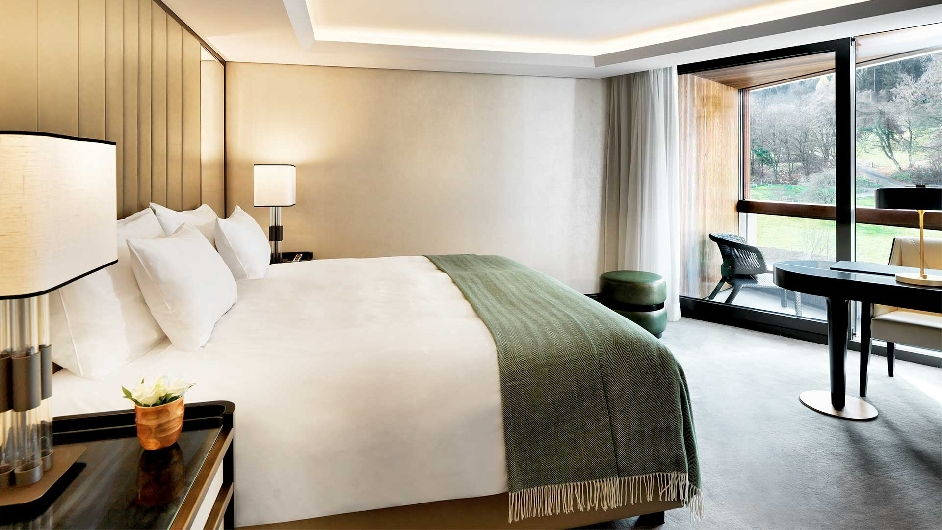 Luxury wellness hotel in zurich near uetliberg atlantis for Bedroom furniture zurich