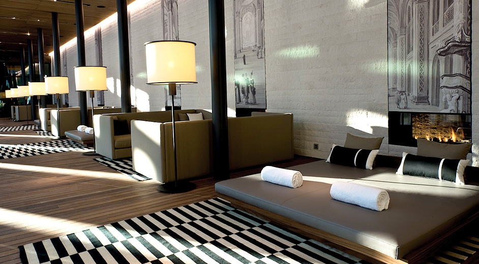 Exclusive 5 star design hotel in andermatt near ski lifts for Design hotel ski