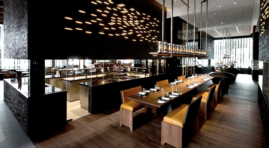 Exclusive 5 star design hotel in andermatt near ski lifts for Restaurant moderne