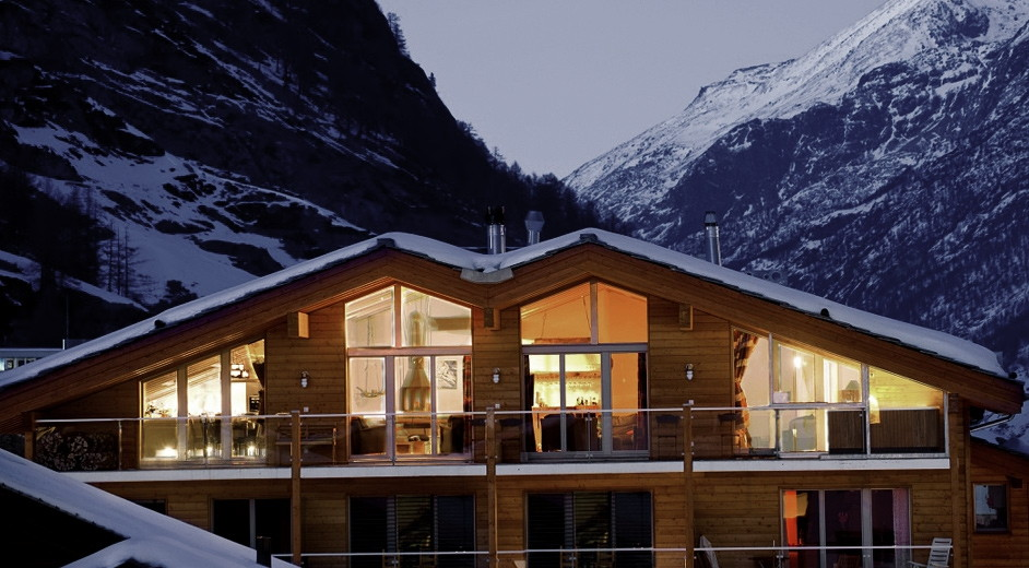 5 star modern chalet rental in zermatt with outdoor hot tub and sauna. Black Bedroom Furniture Sets. Home Design Ideas