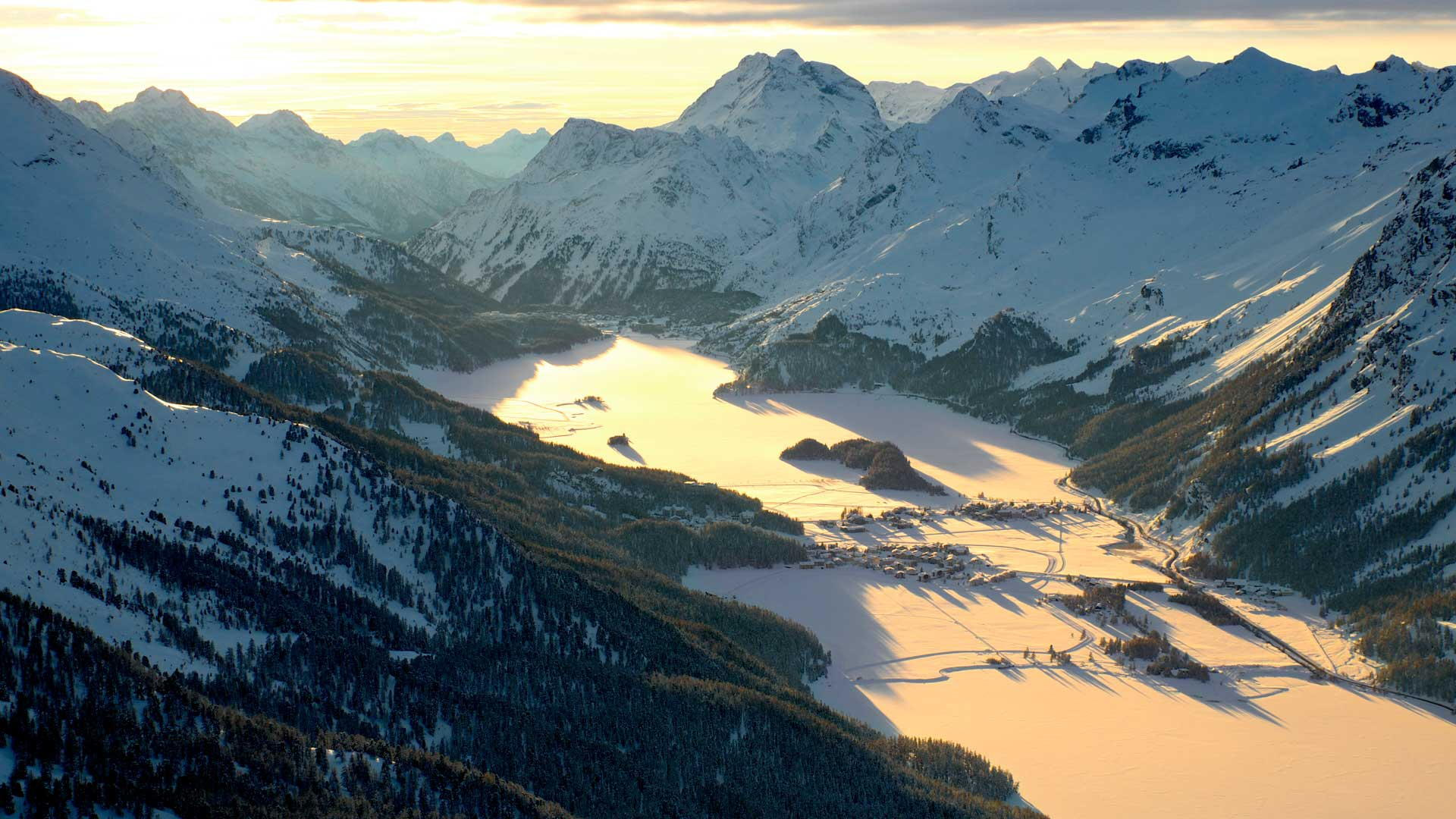 Luxury ski accommodation in St. Moritz – book with the experts